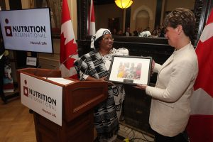 Her Excellency Dr. Joyce Banda, former President of Malawi and Nutrition International Board Member, presented the Honourable Marie-Claude Bibeau, Canada's Minister for International Development and La Francophonie, with an award on behalf of all Canadians for Canada's leadership and commitment to a world free from malnutrition.