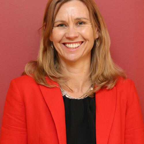 Jennifer Busch-Hallen